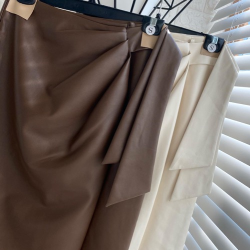 Leather wrap ribbon skirt (cream ivory / brown) 세일62000