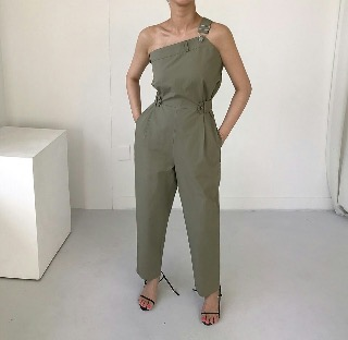 One-shoulder jumpsuit (khaki / black)