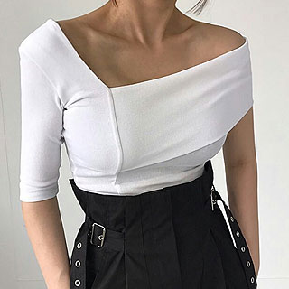 Shoulder tee (White / black)