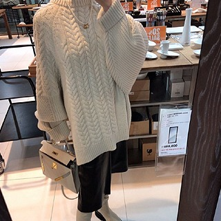 Overfit puff cable knit